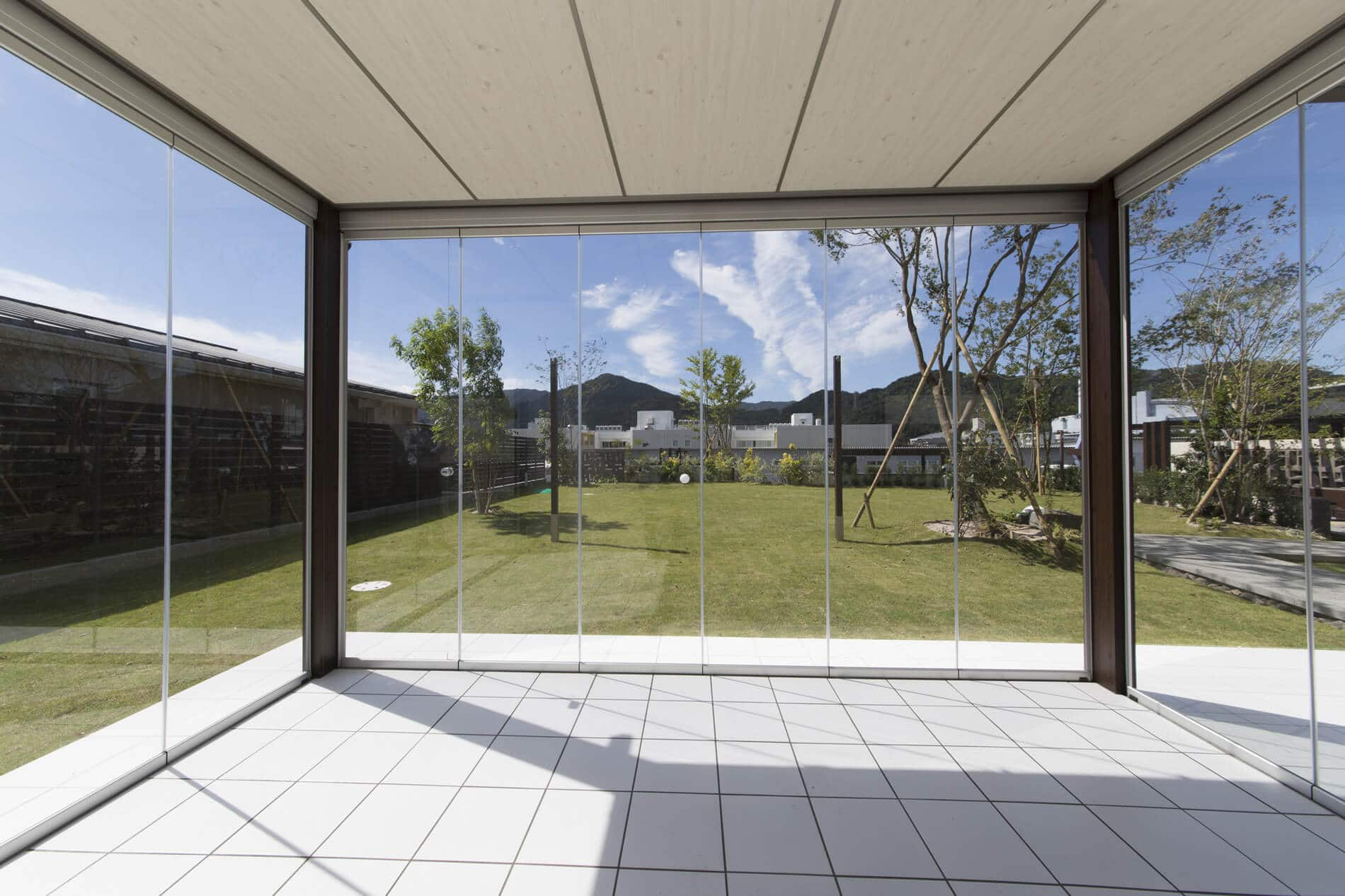6-teilige Glasschiebetüre mit Spaltdichtung