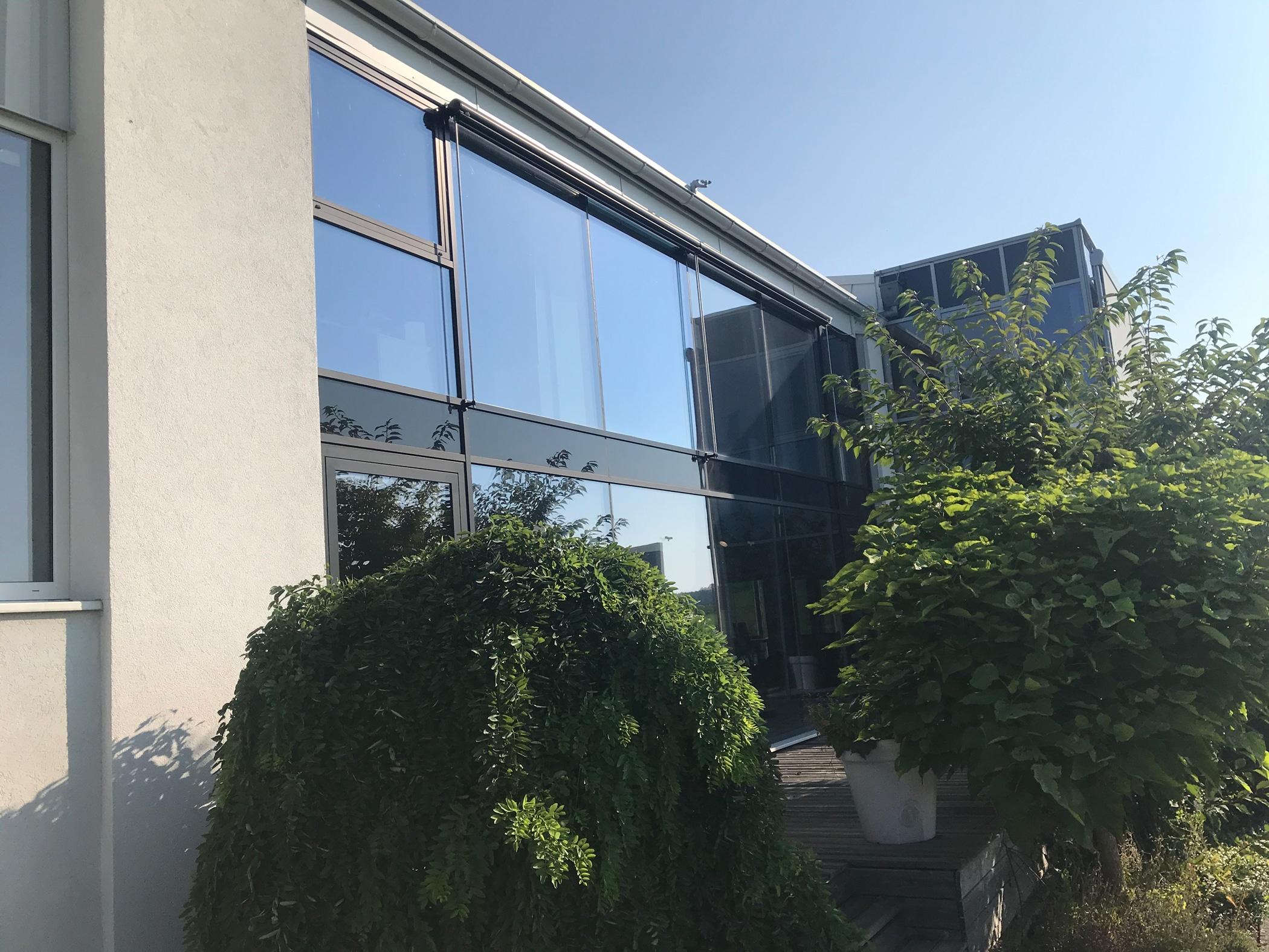Aluminium-Glasfassade Nurglas - Aluprofile in schwarz