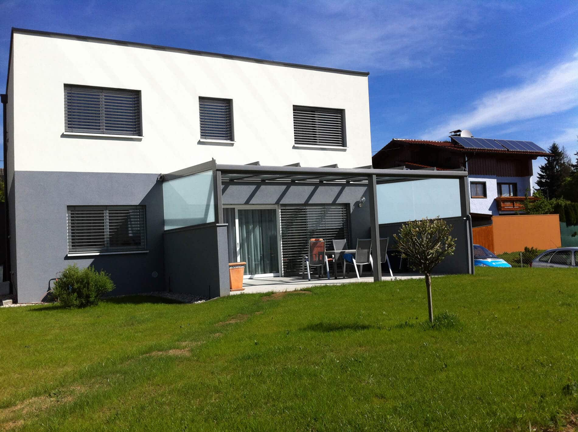 Aluminium Überdachung mit Seitenwänden