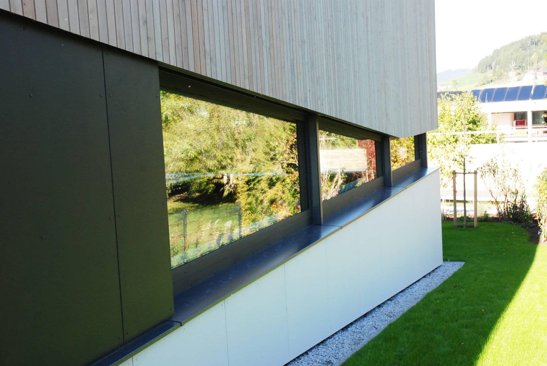 Aluminium-Verglasung für modernes Poolhaus