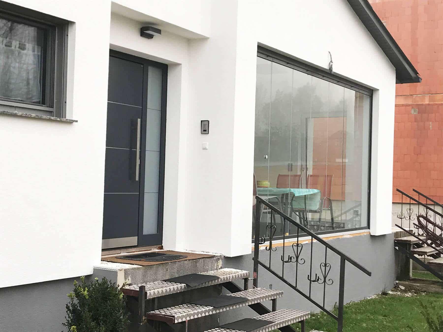 emejing balkon aus glas images. Black Bedroom Furniture Sets. Home Design Ideas