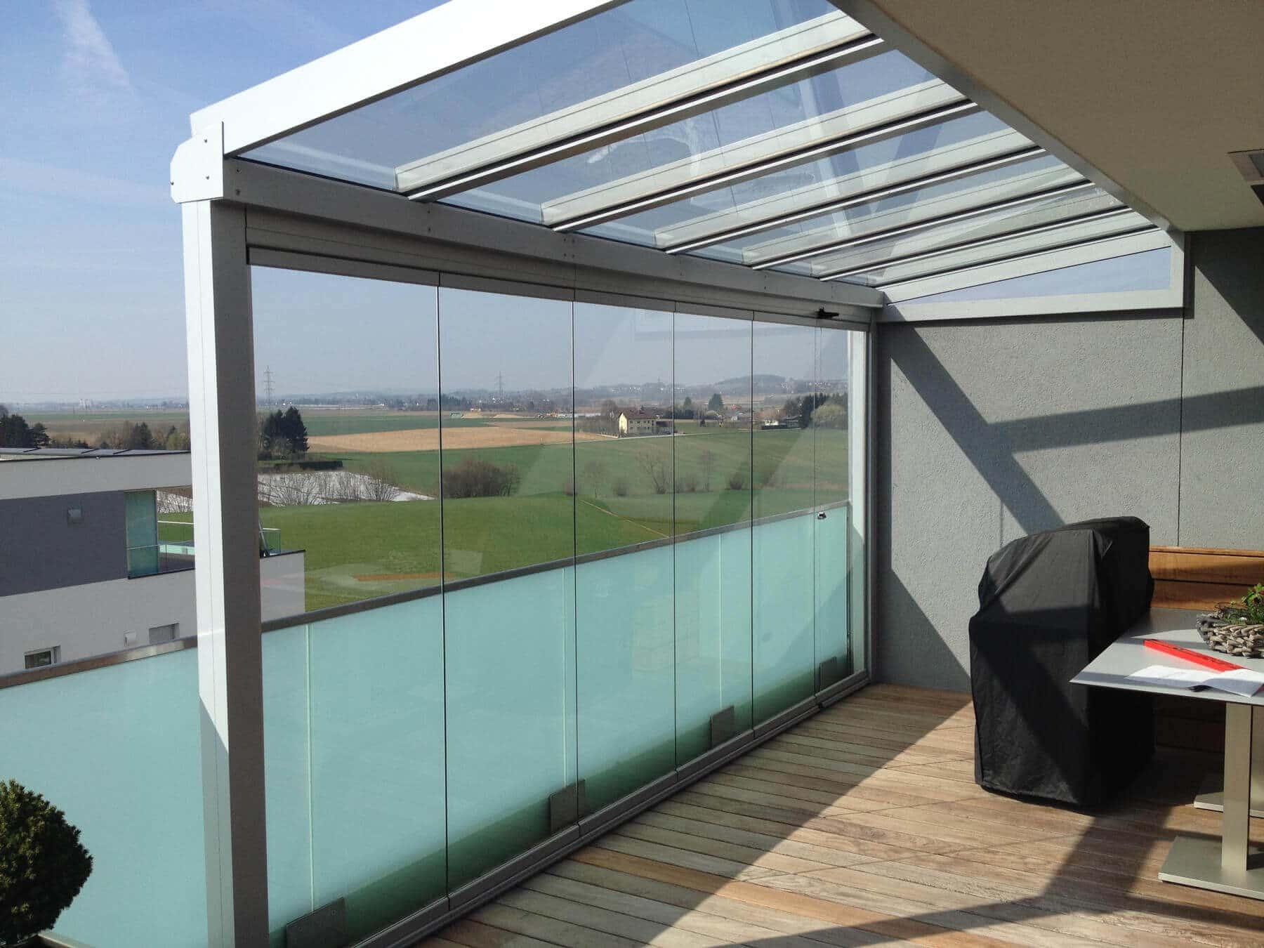 Balkon Überdachung mit Glasgeländer