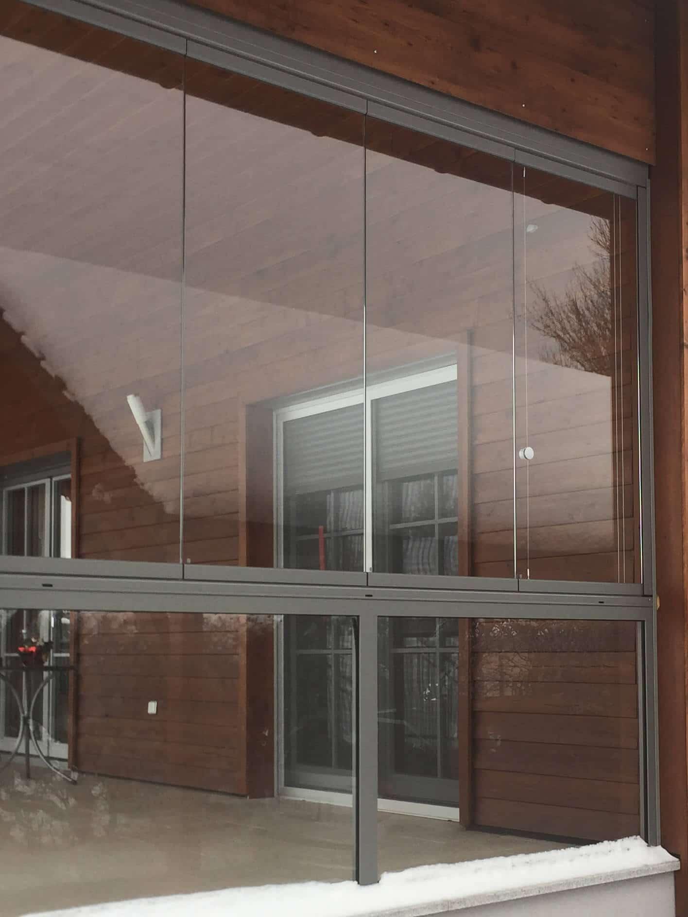 Balkon Verkleidung mit Glas zum Falten