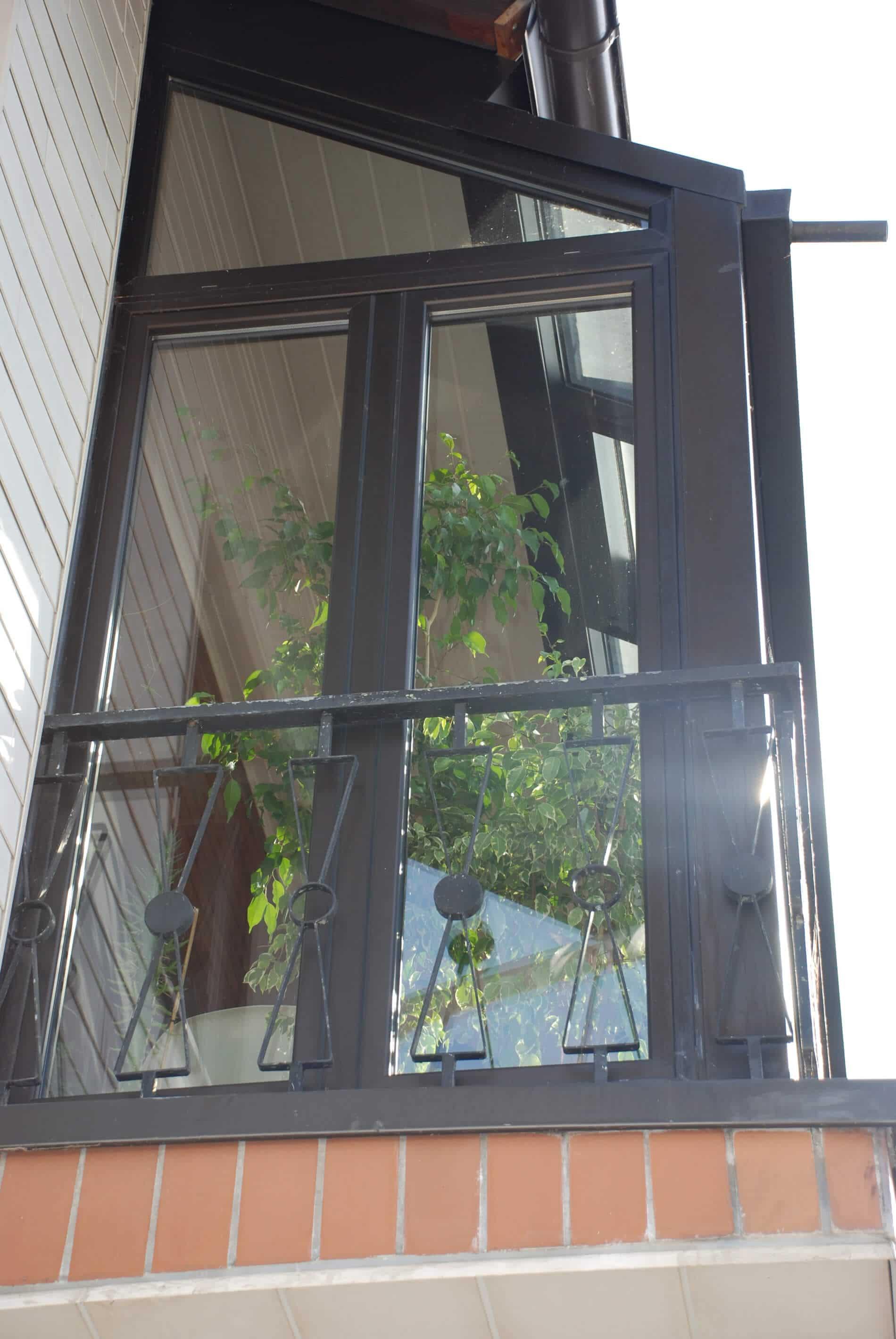 balkon wintergarten dunkelbraun und isolierverglasung wintergarten schmidinger. Black Bedroom Furniture Sets. Home Design Ideas