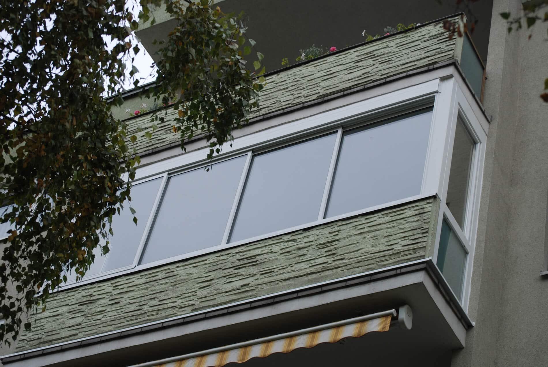 Balkonverbau mit Schiebesystem
