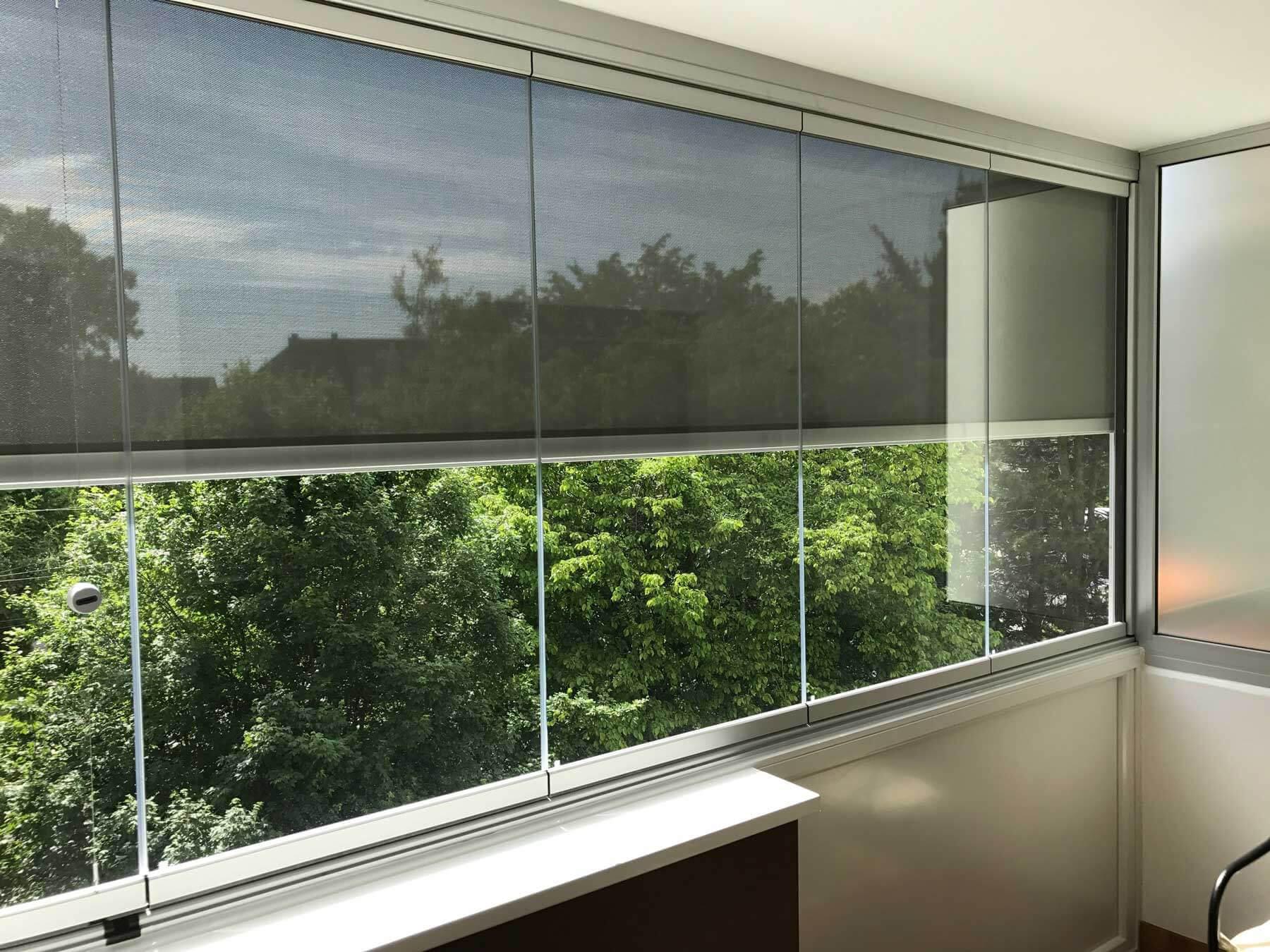 Balkonverglasungen faltbar mit Beschattung