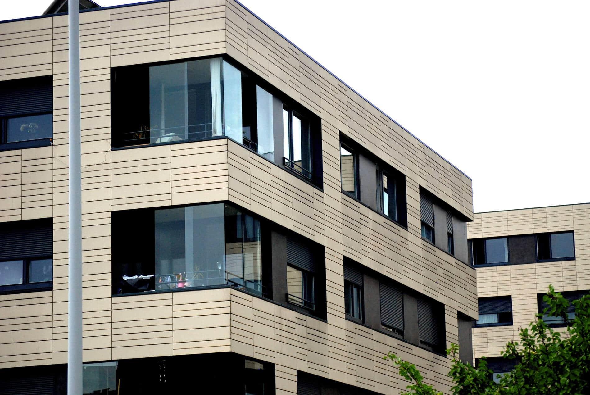 Balkonverglasungen für modernes Wohnhaus Österreich