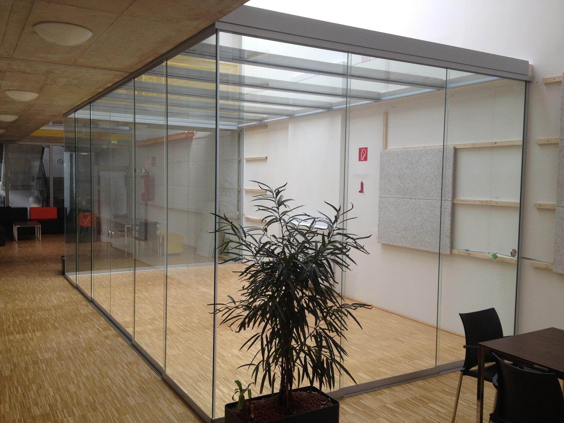 Bürotrennwände aus Glas