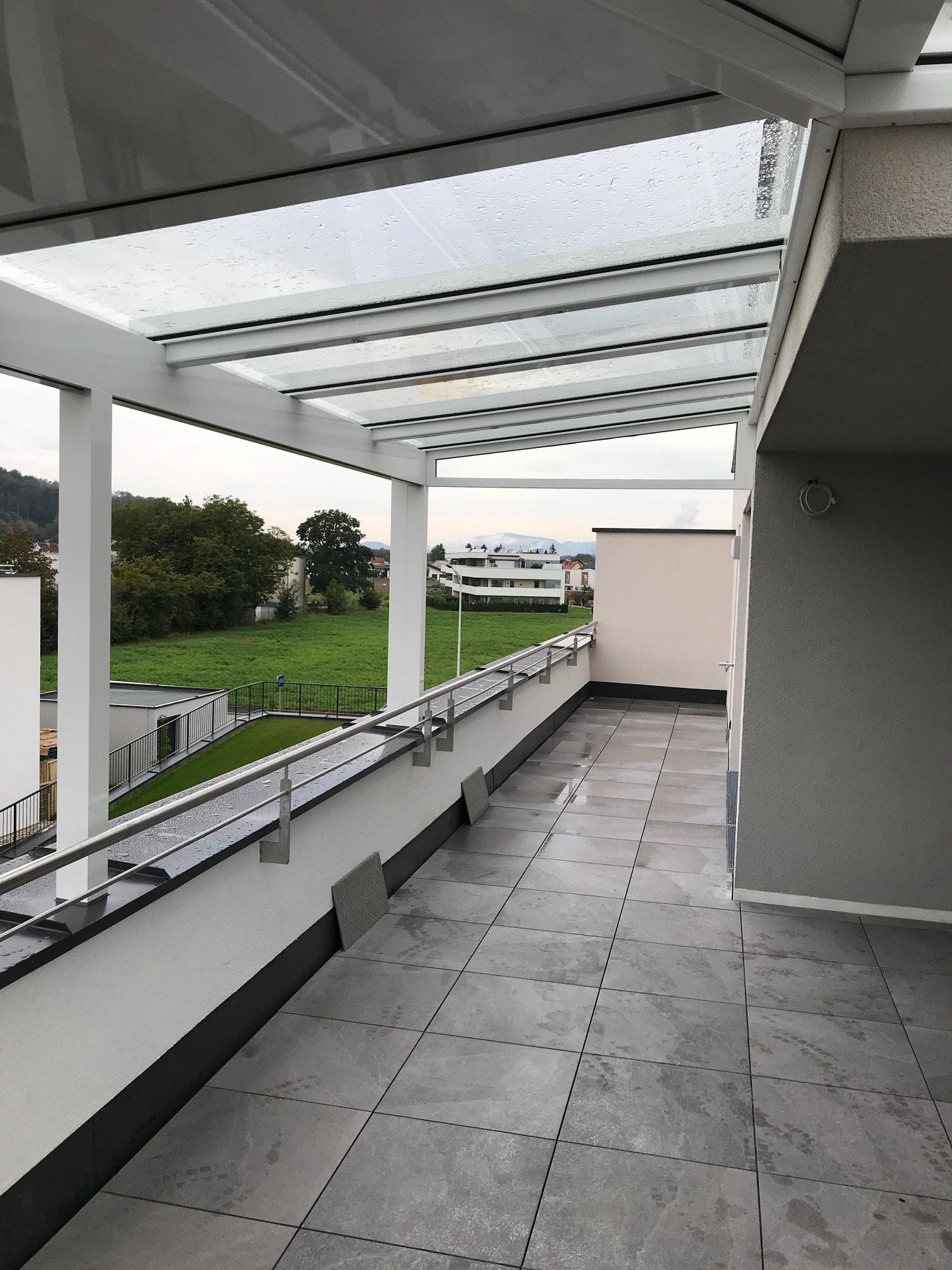 Dachterrassenwohnung mit Glasdach von Schmidinger