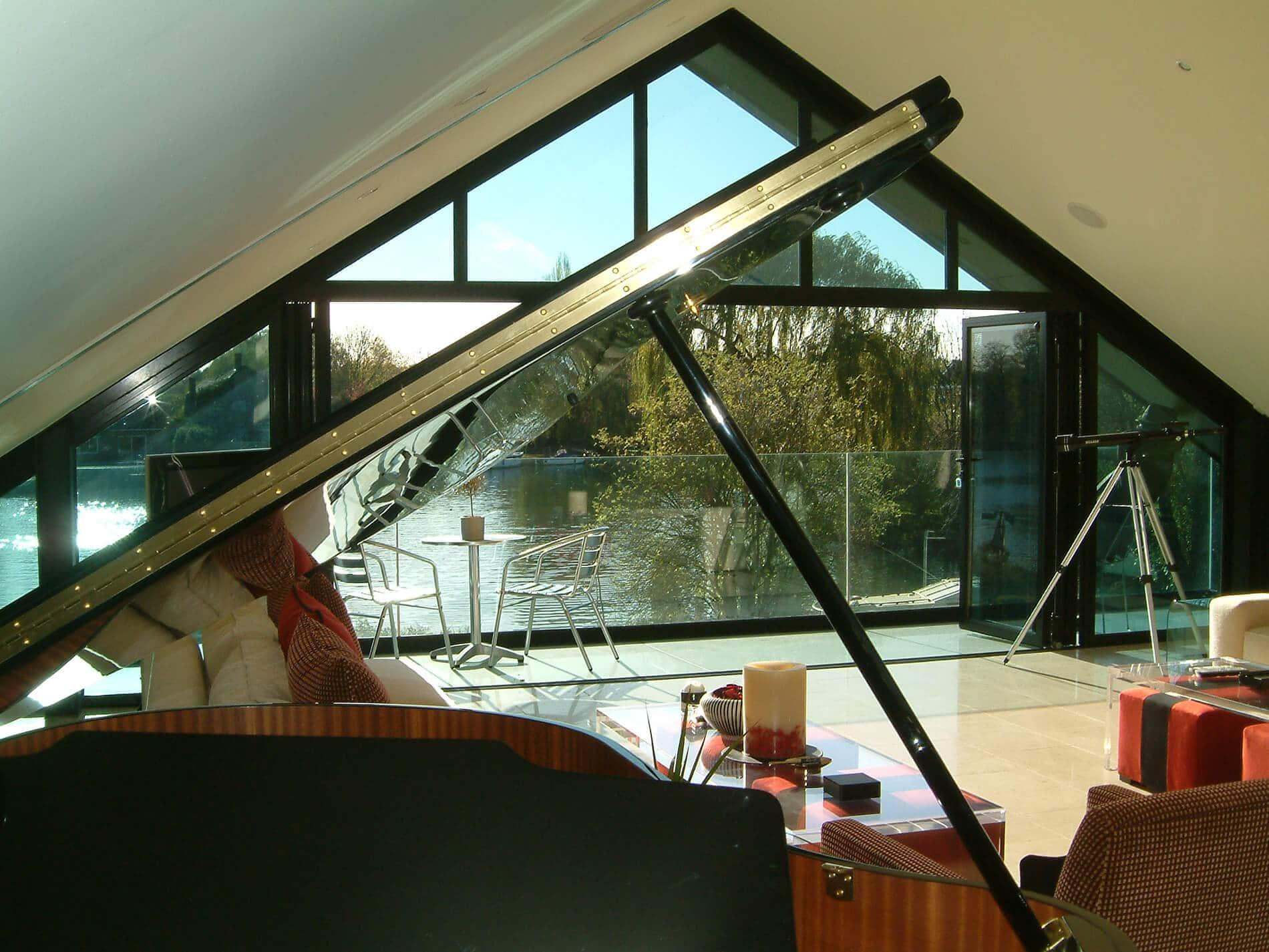 Faltwand für große Dreiecksfenster