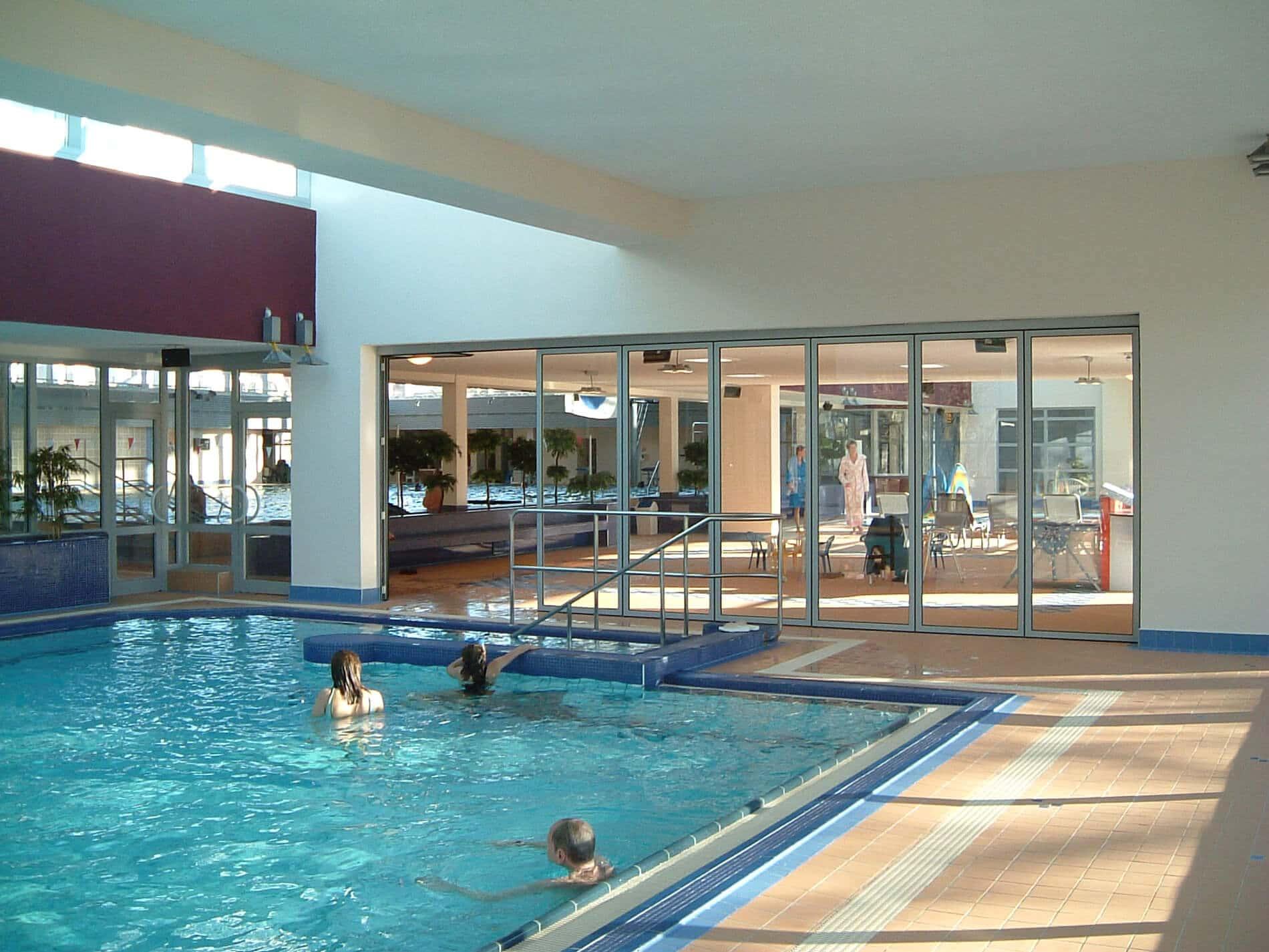Faltwand in Aluminium für Schwimmbad