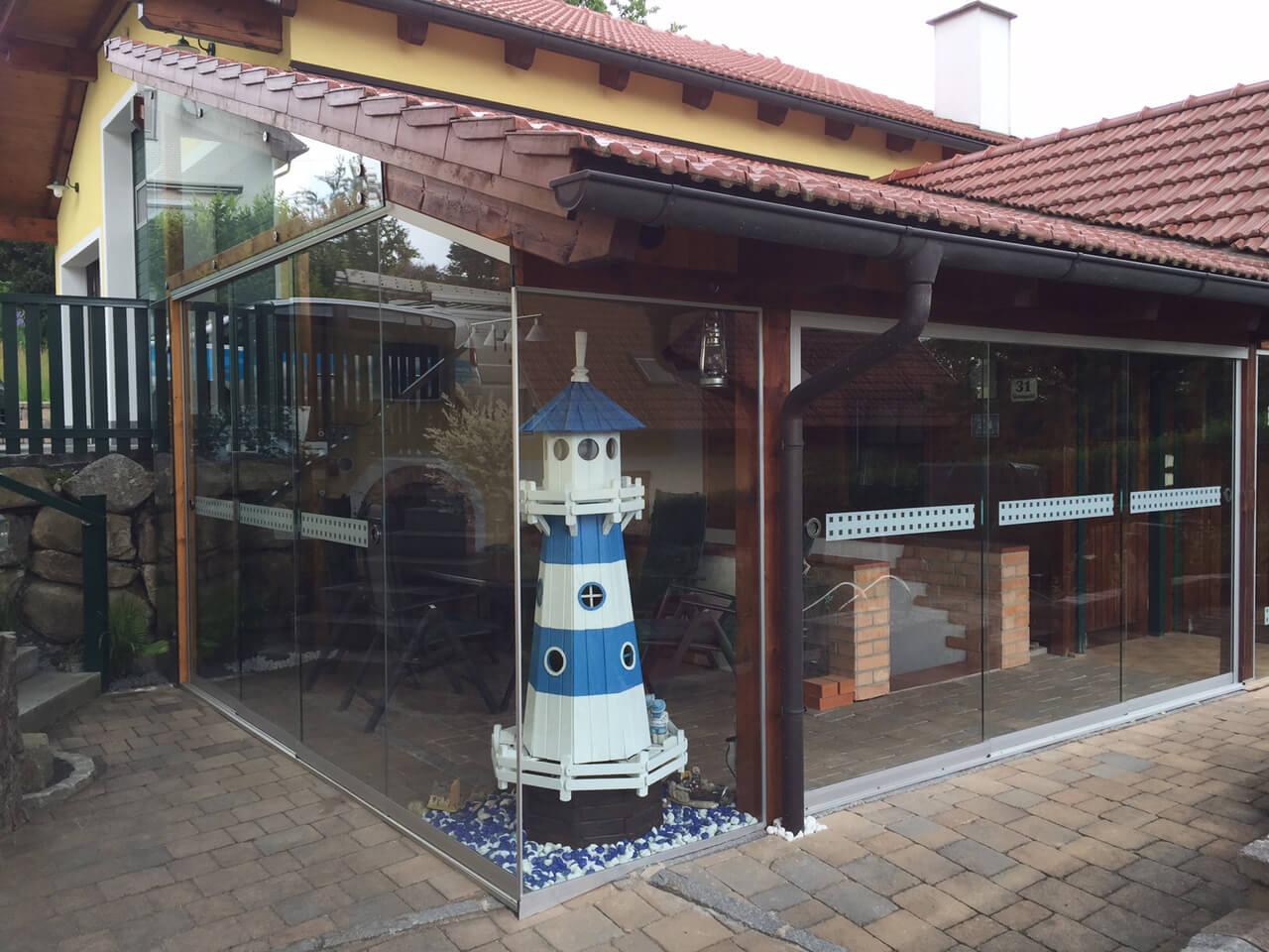 Ganzglas-Schiebesysteme für Terrassen