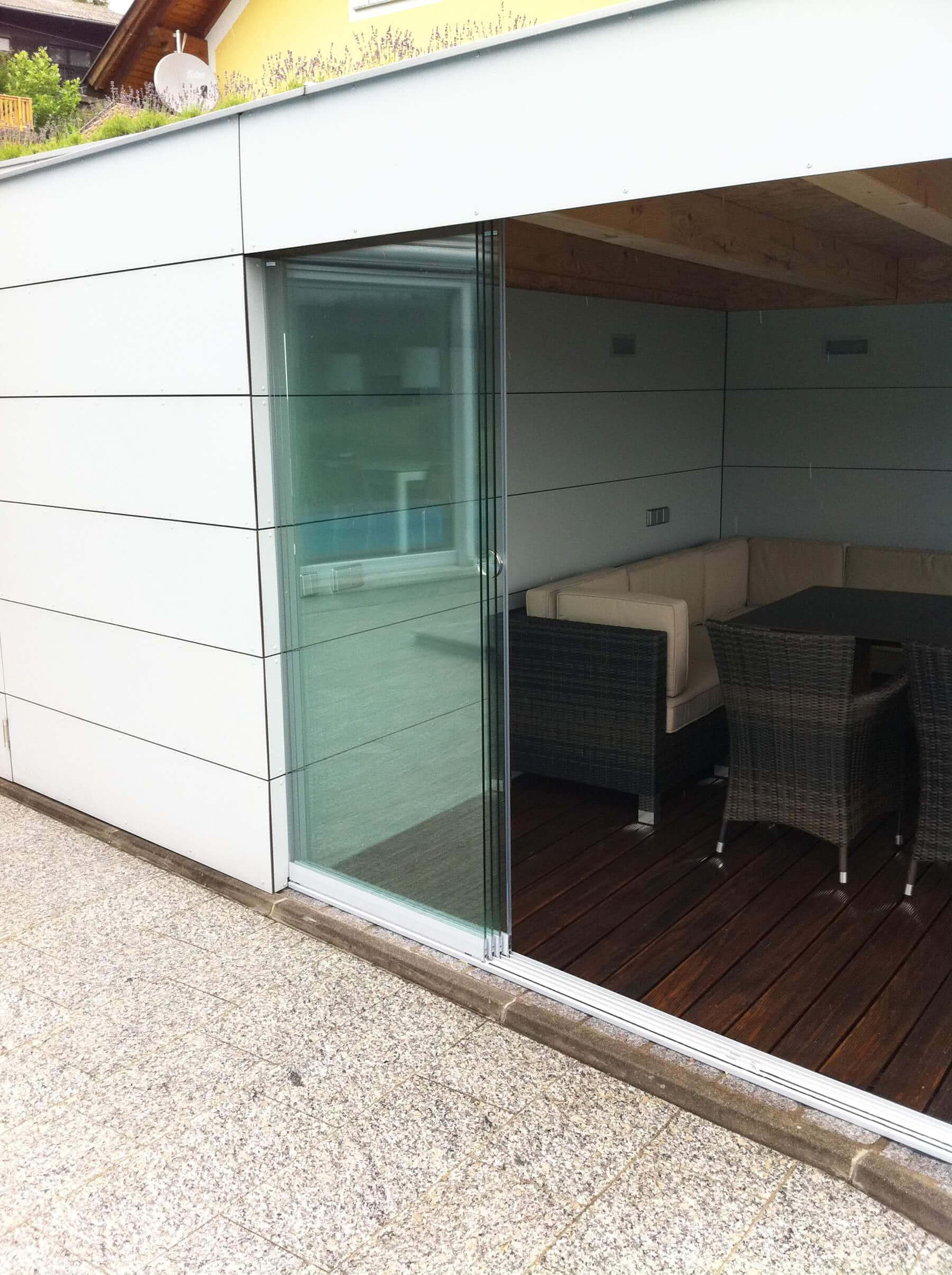 Ganzglas Schiebetürsystem für Anbau Außenbereich