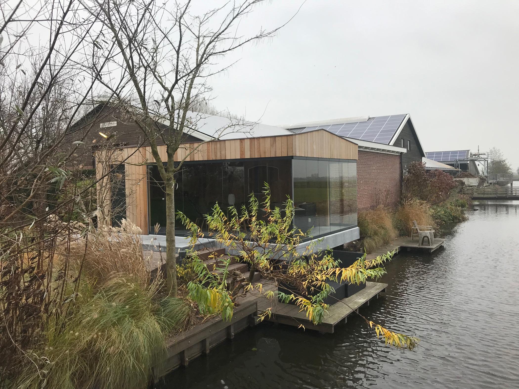Ganzglas-Schiebewand für modernes Gartenhaus