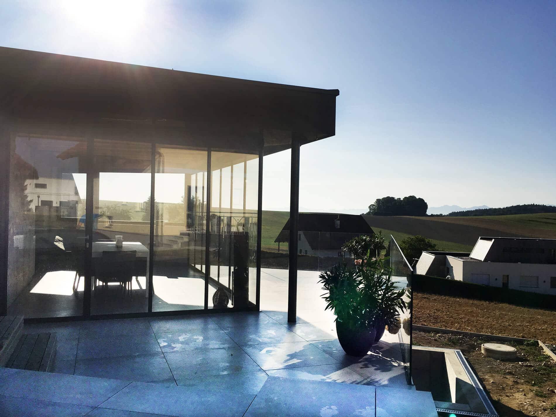 Gartenhaus Pool Glas-Schiebetüren