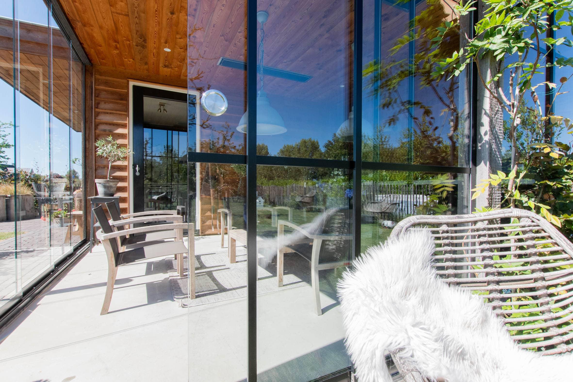 Gartenhaus Schiebefenster Detail
