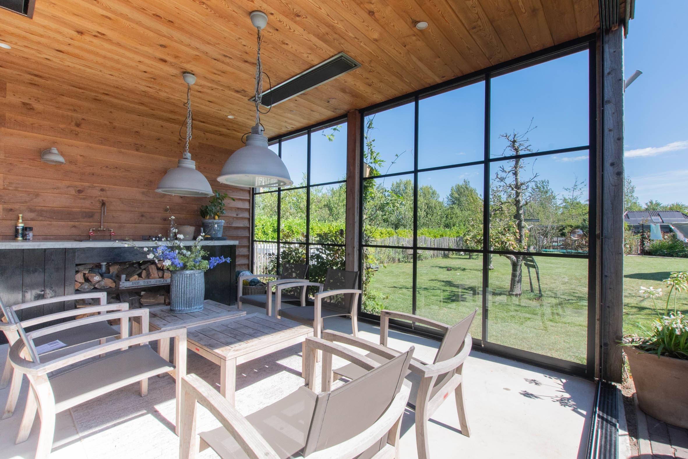 Gartenhaus Schiebefenster mit Rahmen