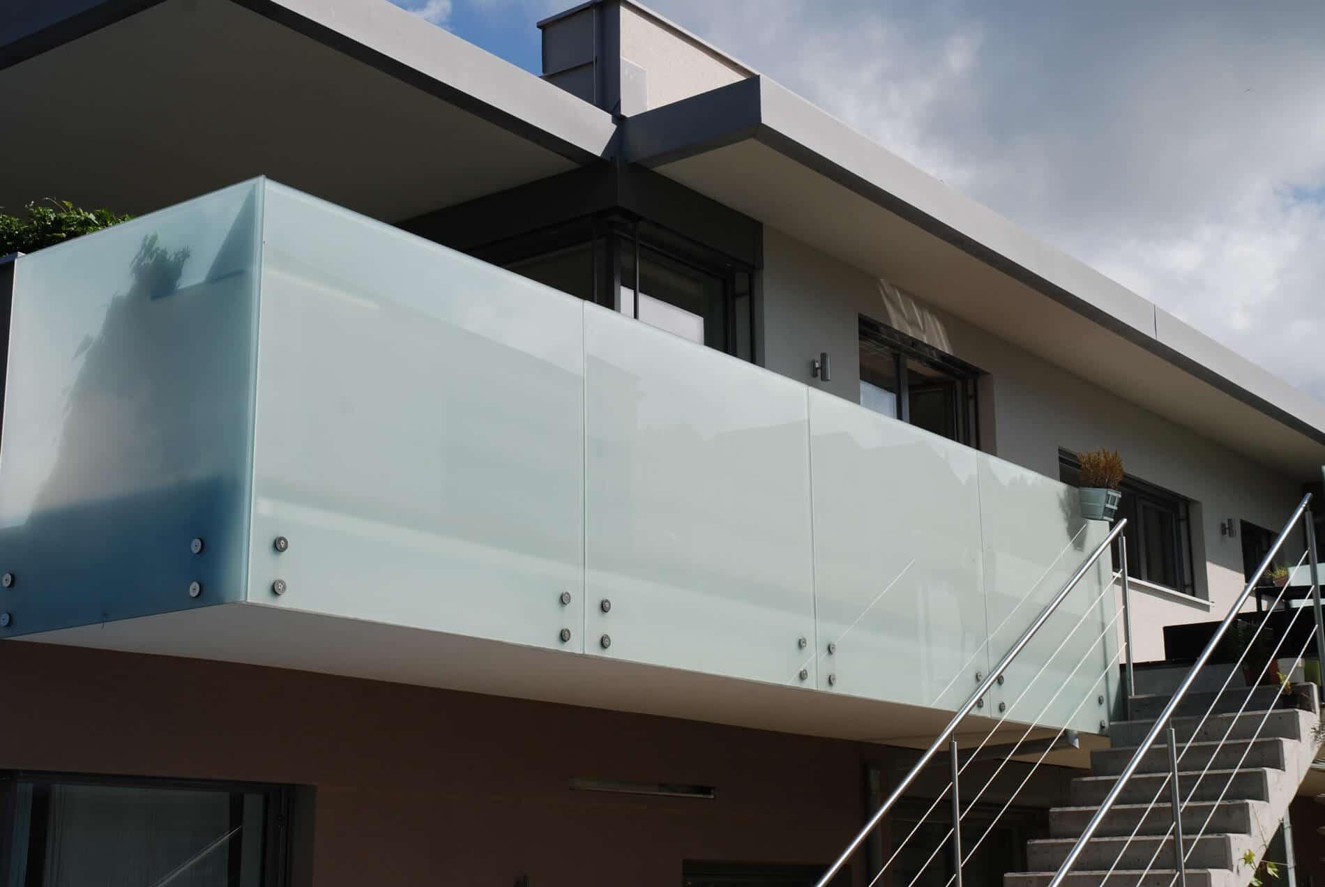 Geländer Glas Sichtschutz