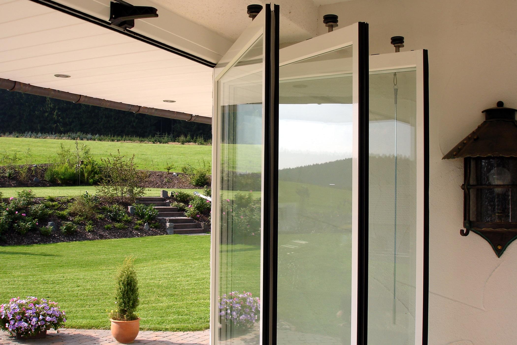 Gerahmte Schiebe-Dreh-Wandsysteme Sunflex