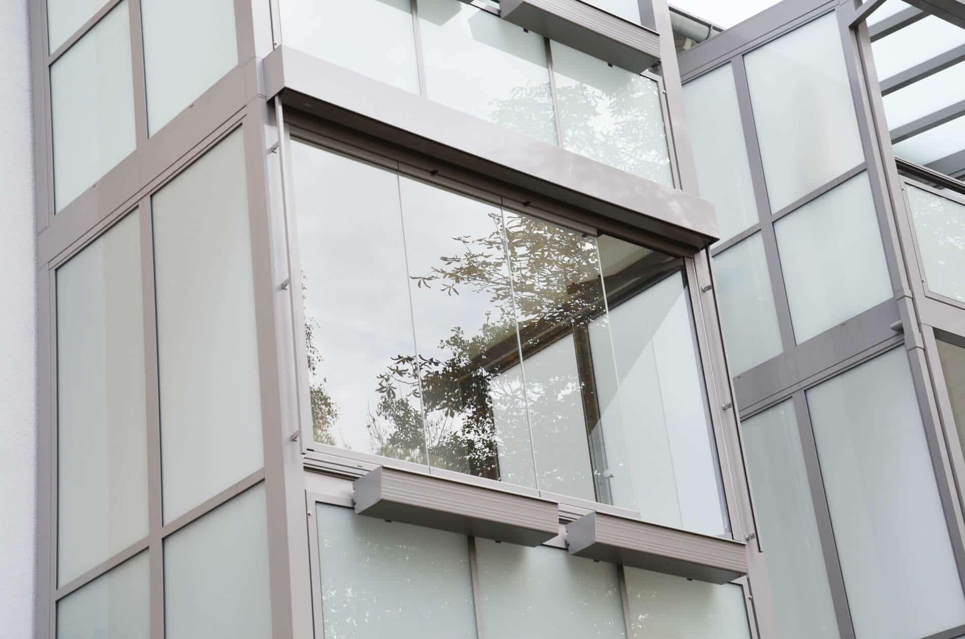 Glas-Faltwand für Balkon