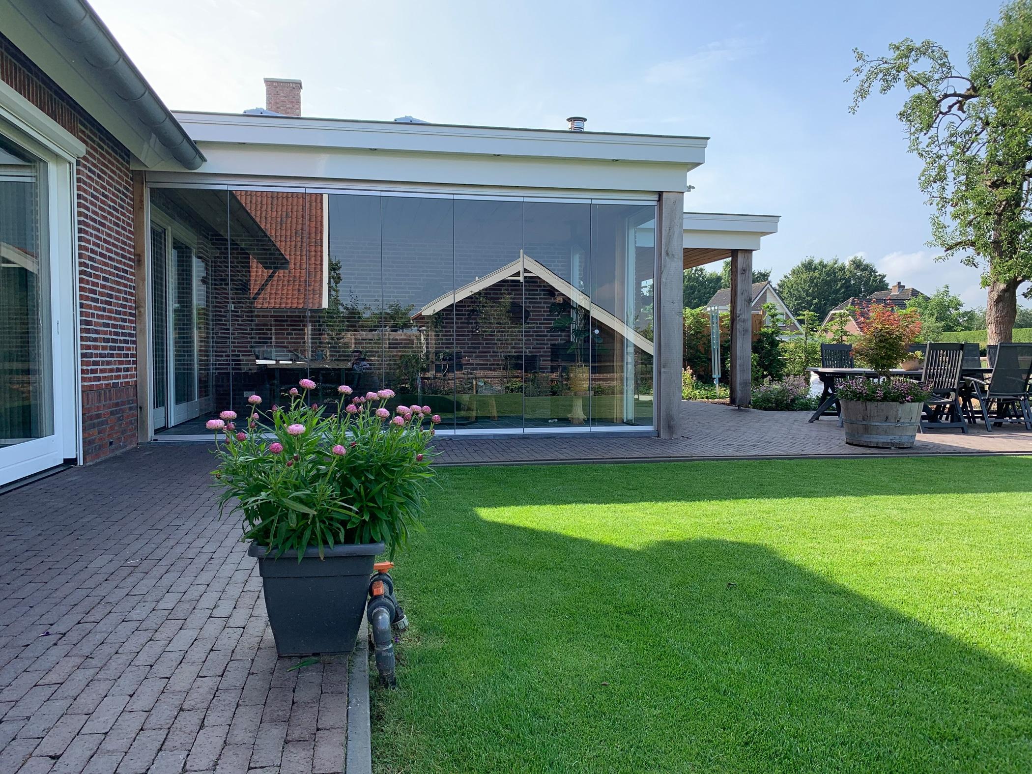 Glas Schiebe Dreh Elemente für Anbau auf Terrasse