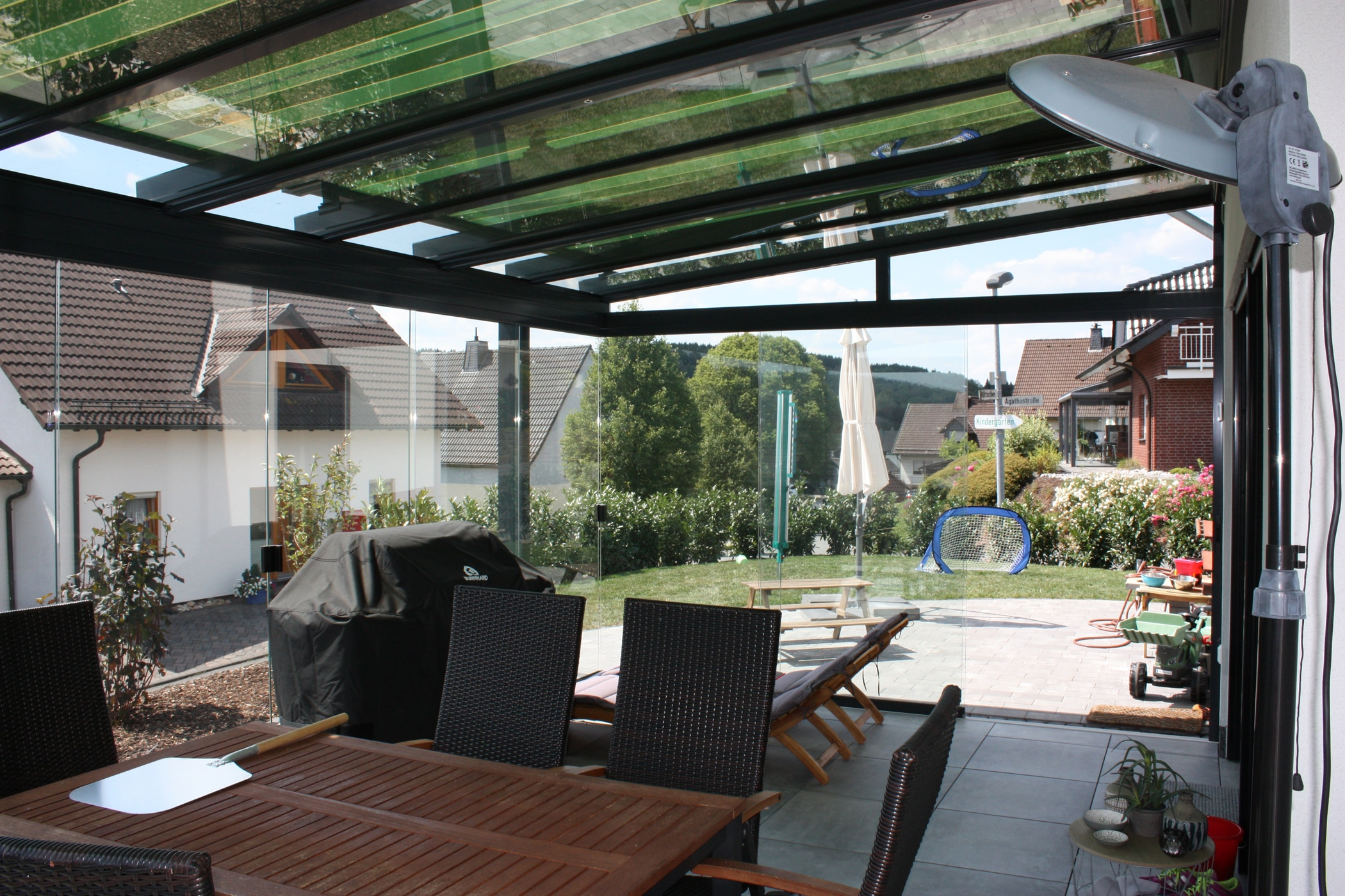 Glasdach für Terrassen mit Dachglasmarkise