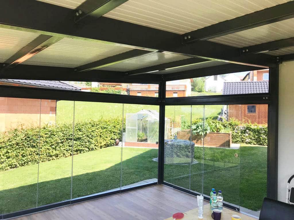 Glaselemente für Terrasse