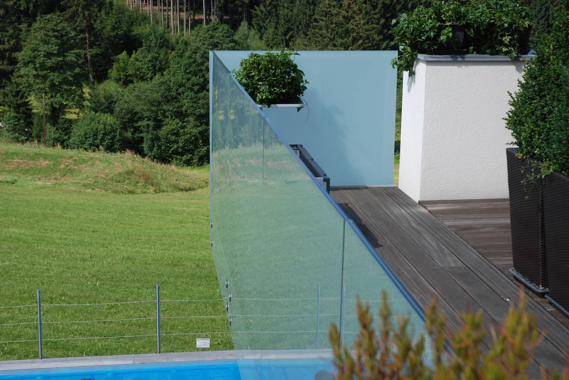 Glasgeländer optimaler Sichtschutz Windschutz