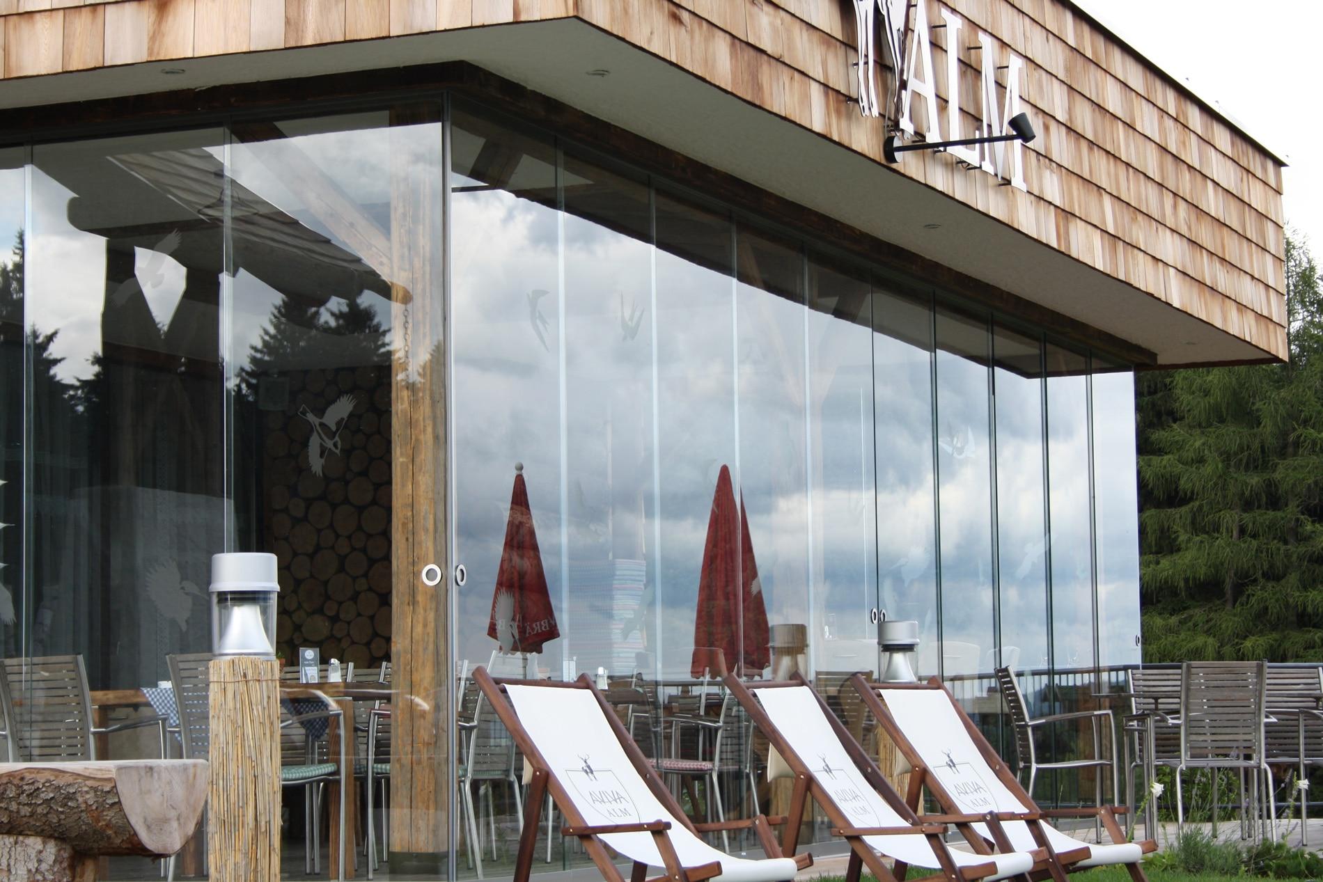 Glasschiebewände außen in Oberösterreich montiert