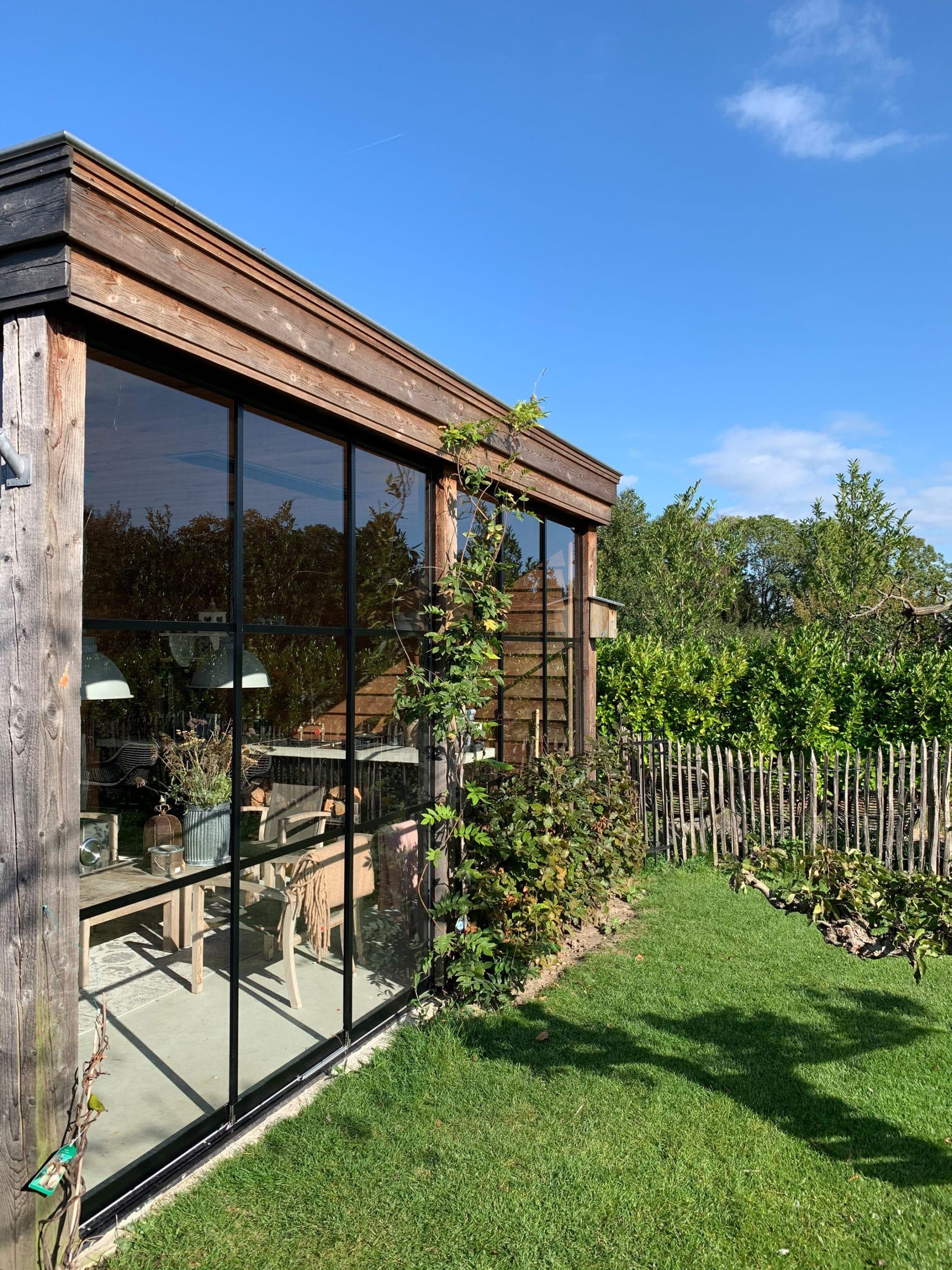Glasschiebewand für Gartenhaus