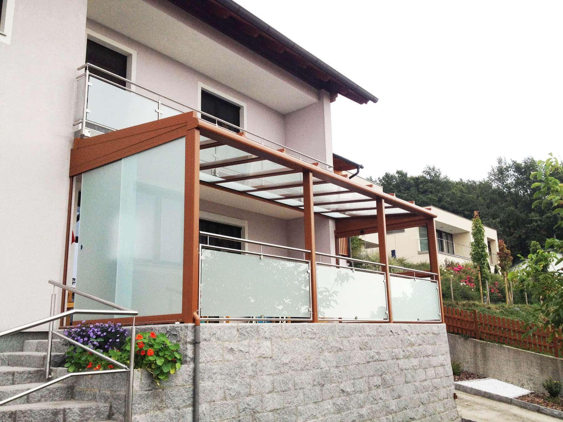 Glasschiebewand Milchglas und Terrassendach