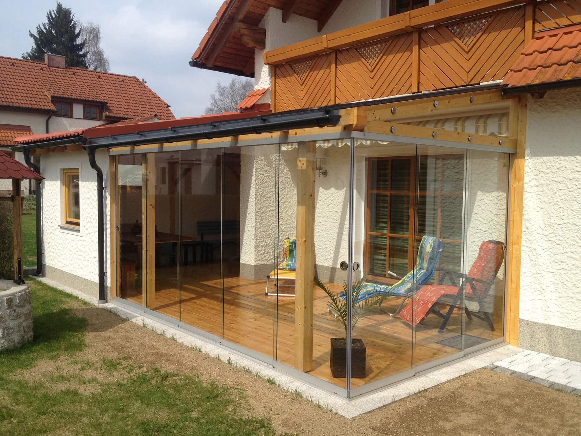 Glasschiebewand System für Terrassenüberdachung