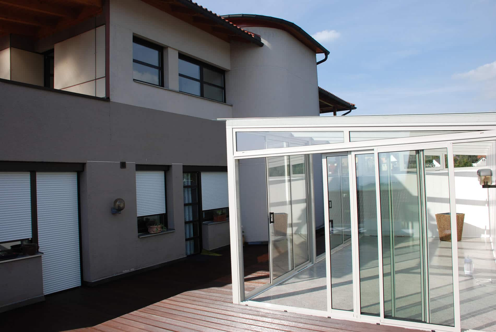 Hochwertige Glasschiebewand für Sommergarten