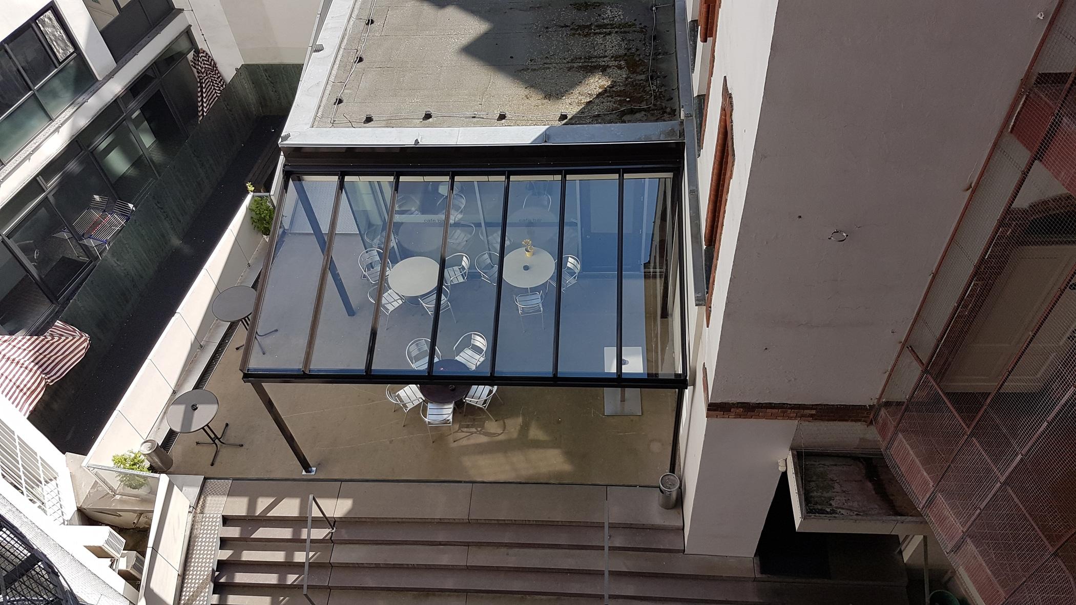 Hochwertige Glasüberdachung aus Aluminium