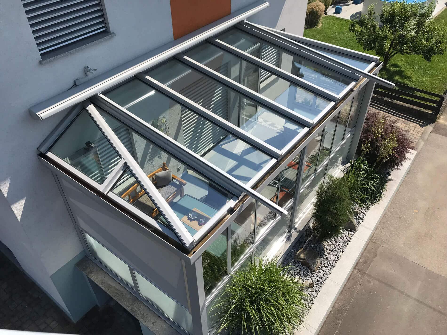 Hochwertiger Wintergarten aus Alu und Glasdachmarkise