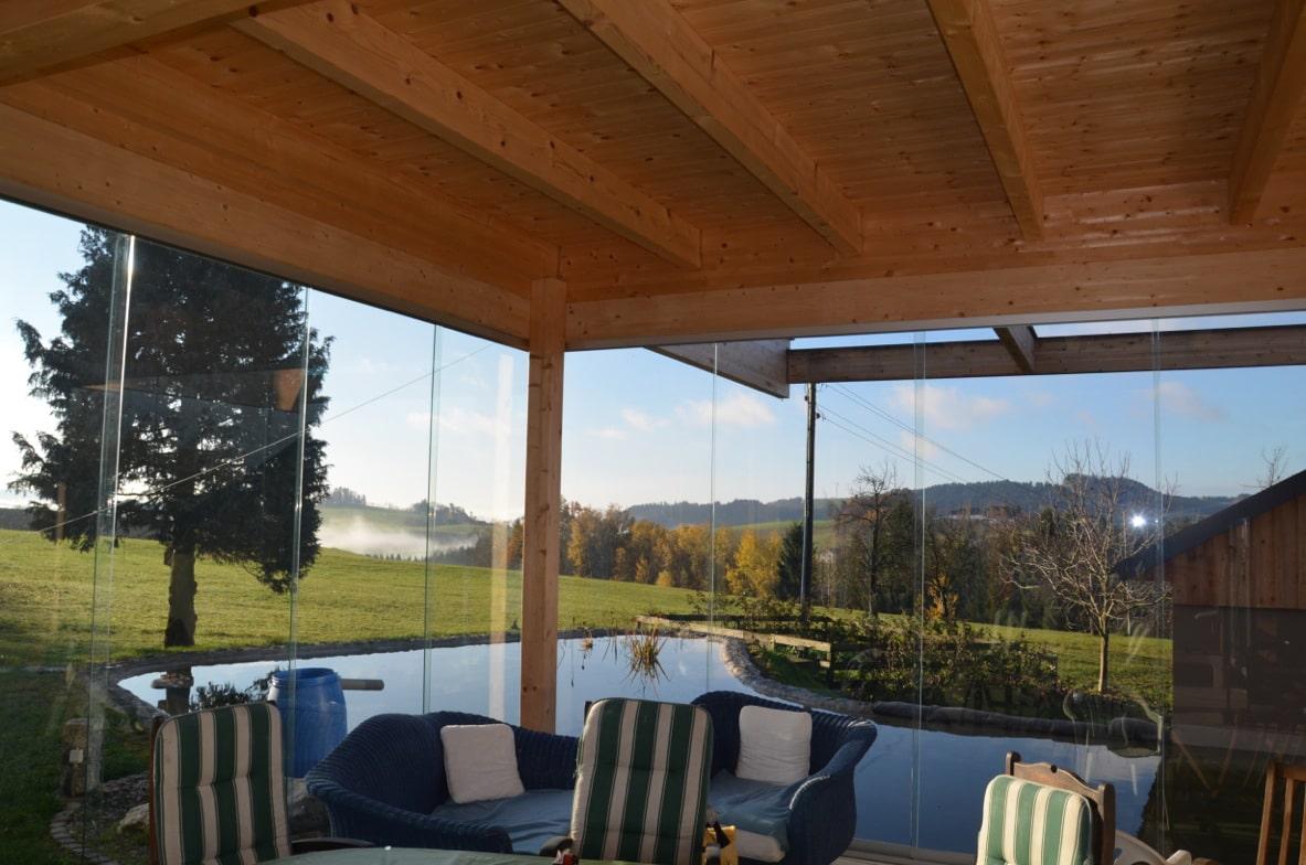 Holzanbau Terrasse mit Glas