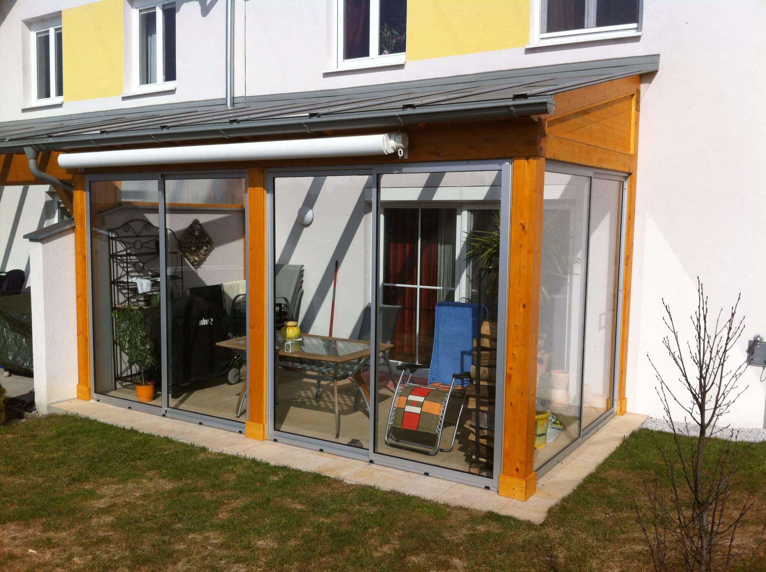 Holzkonstruktion Terrasse mit Türen aufschiebbar