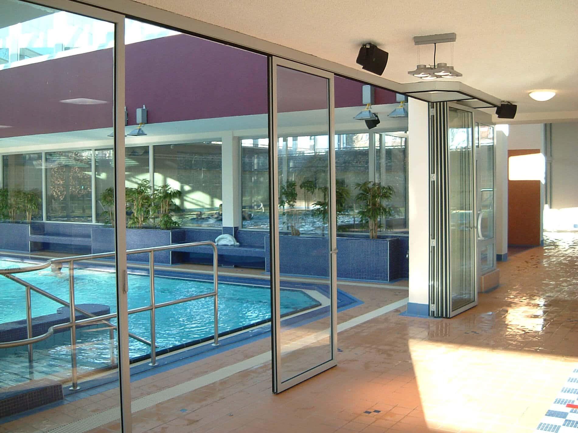 Horizontal-Schiebe-Faltwand für Schwimmbäder