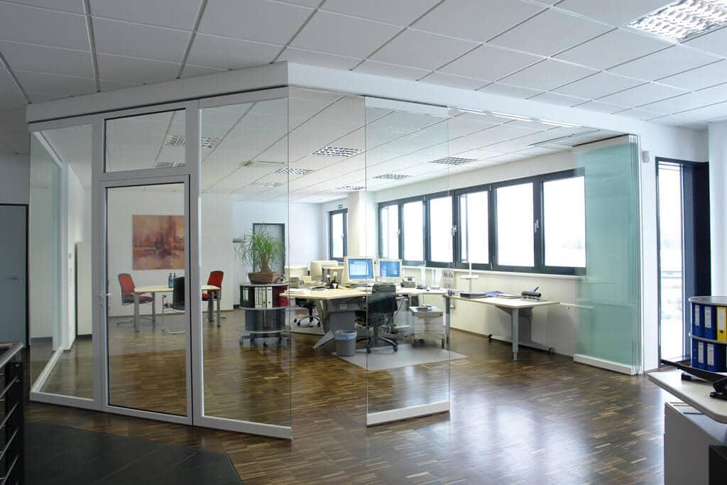 Horizontal-Schiebe-Systeme für Büroabtrennung