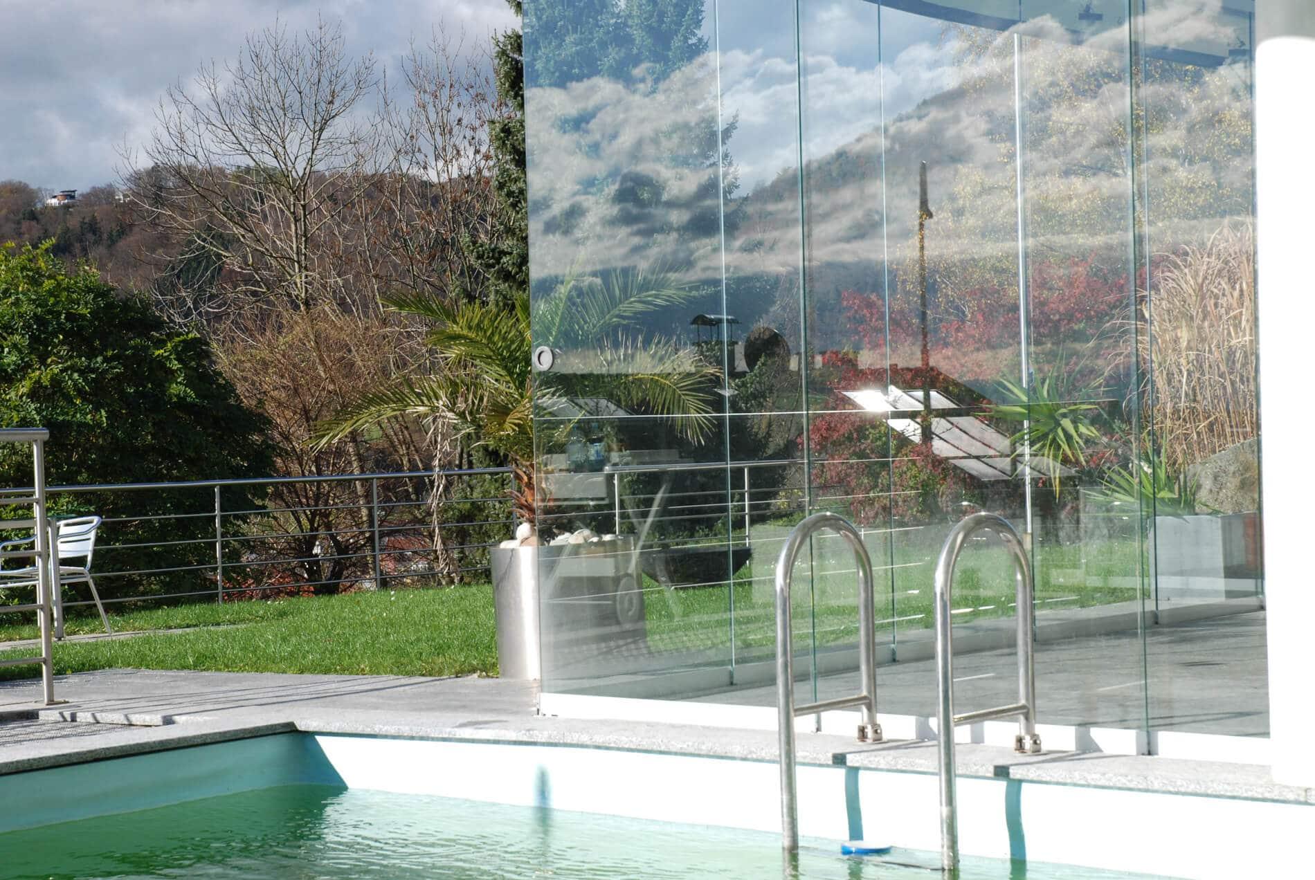 Ideen Pool Haus mit Glasschiebetüren