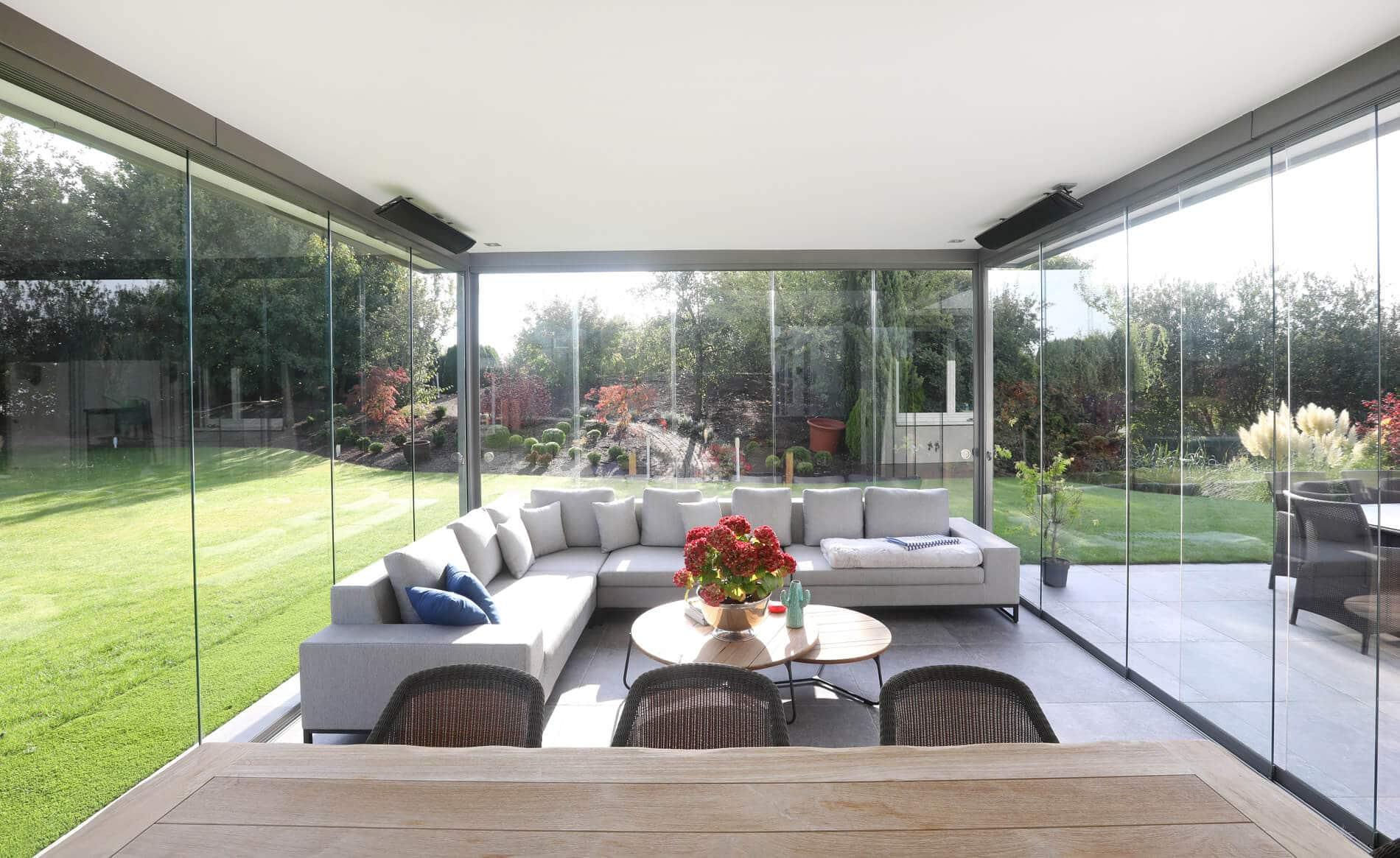 Kaltwintergarten mit Schiebewand für Terrasse