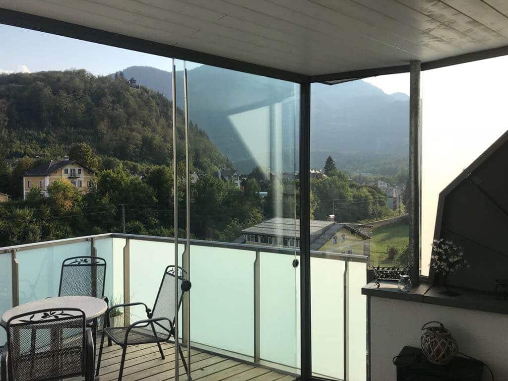 Mehrteilige Glasschiebewand für Dachterrasse in Österreich