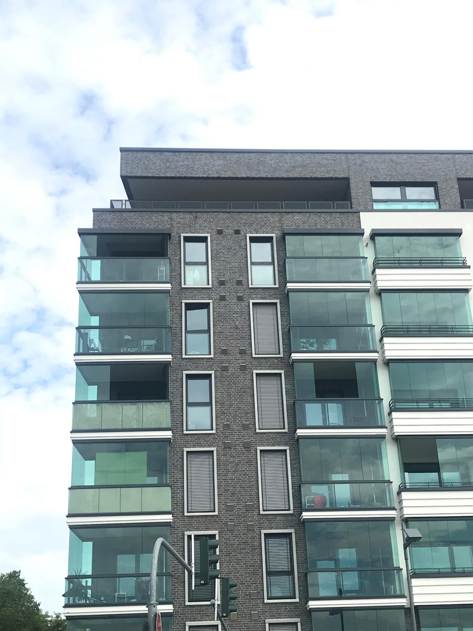 Moderne Balkonelemente in Nurglas Design