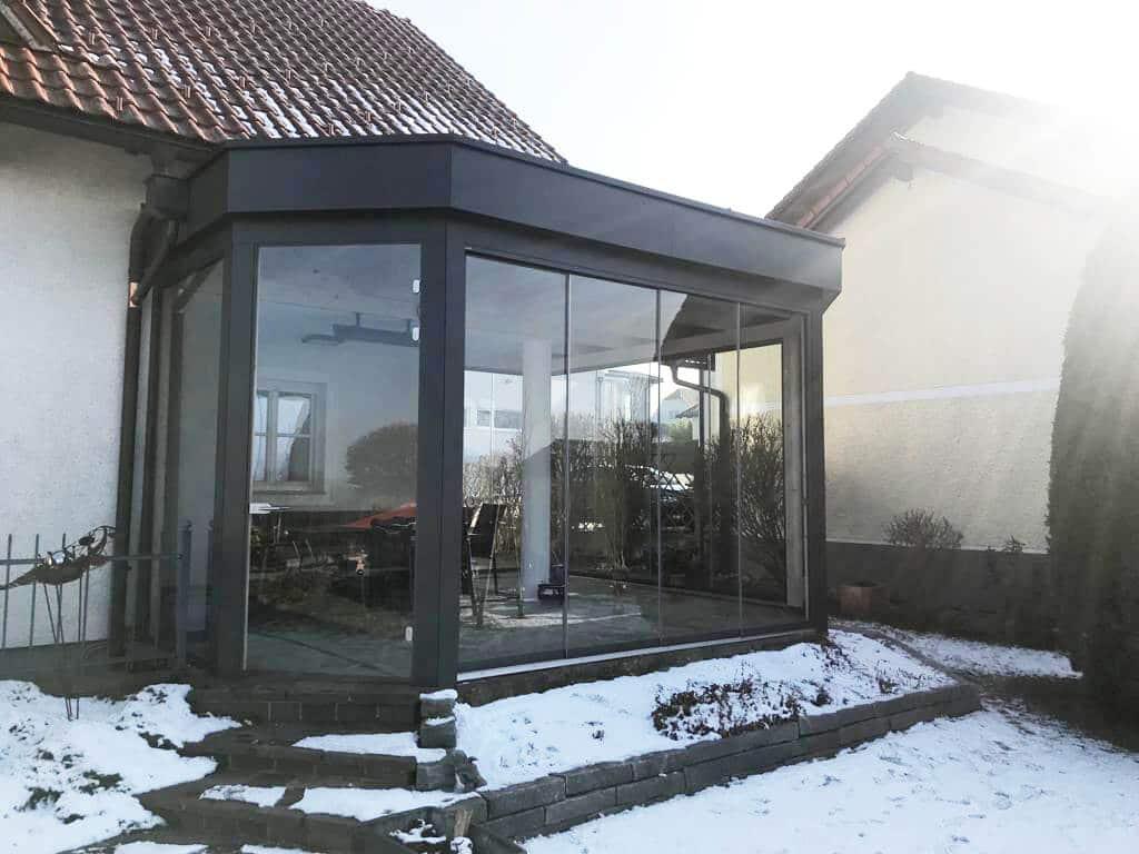 Moderne Wintergärten für Einfamilienhäuser