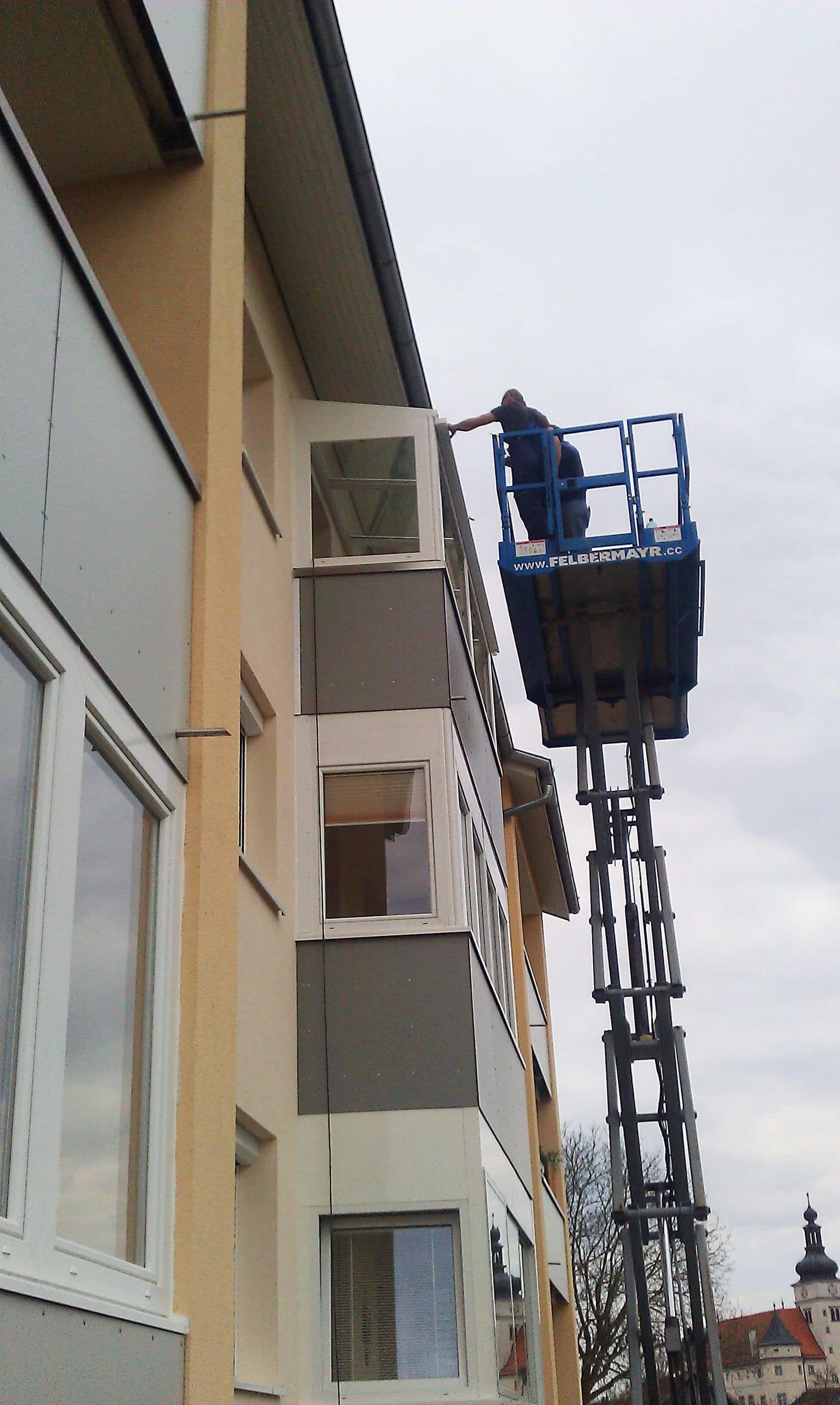 Montage Wintergarten auf Balkon