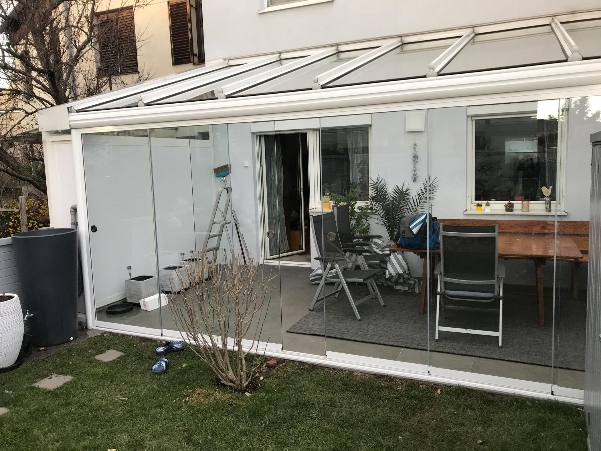 Nachträglicher Windschutz für Terrassenüberdachungen - Schiebesysteme