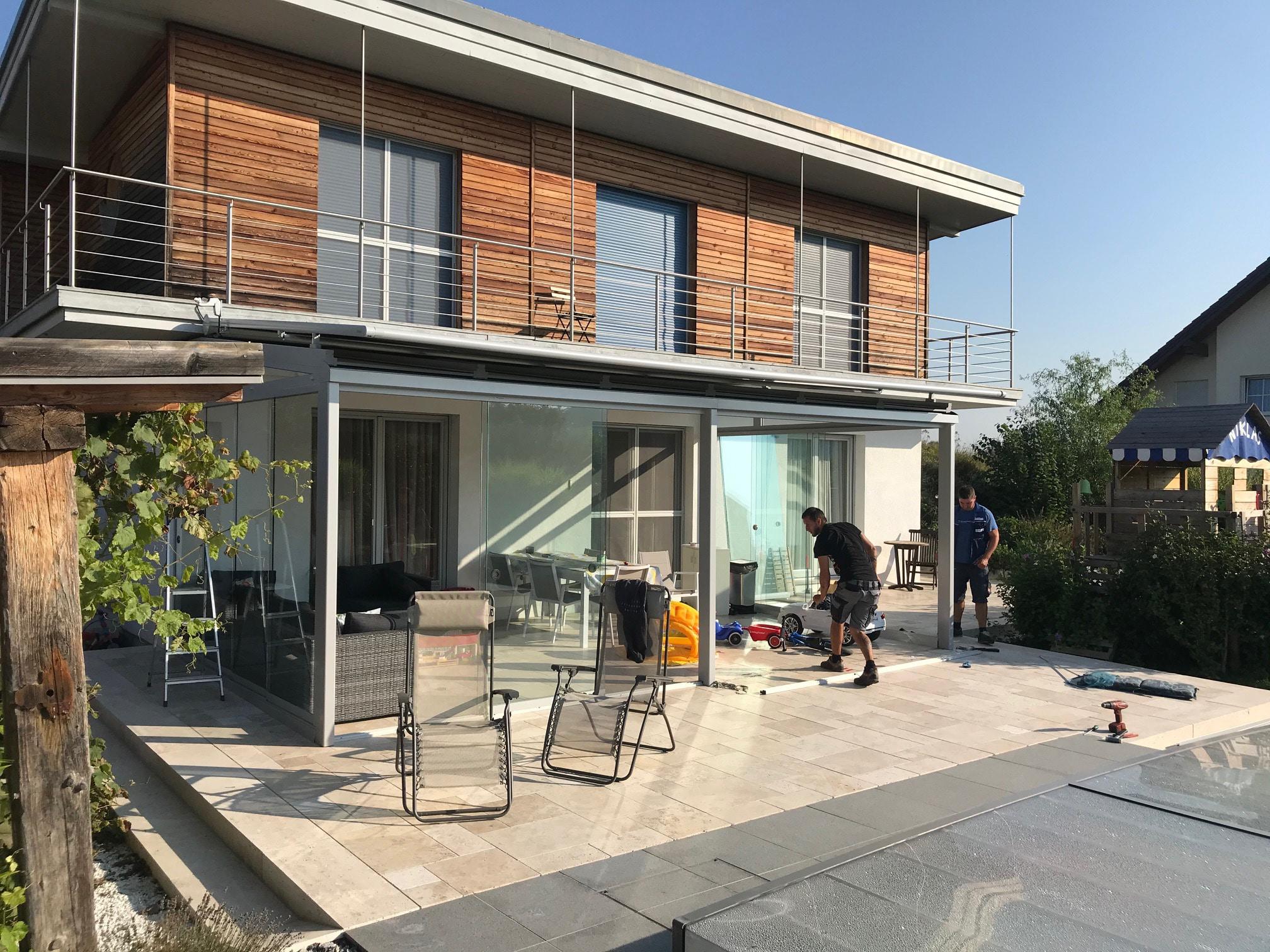 Neuer Sommergarten entsteht bei Einfamilienhaus nach Maß
