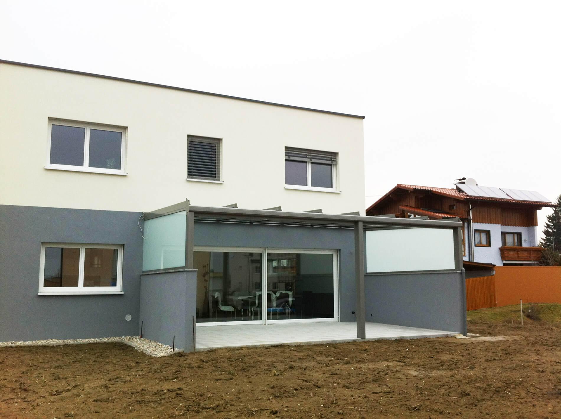 Neues Glasdach auf Terrasse