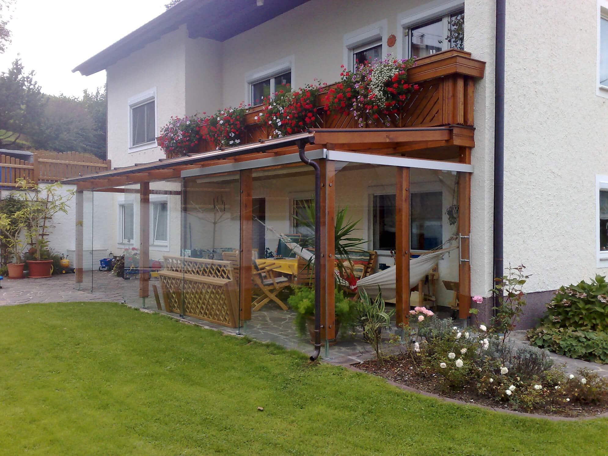 Pergola Glasschiebetüren und Dachglas