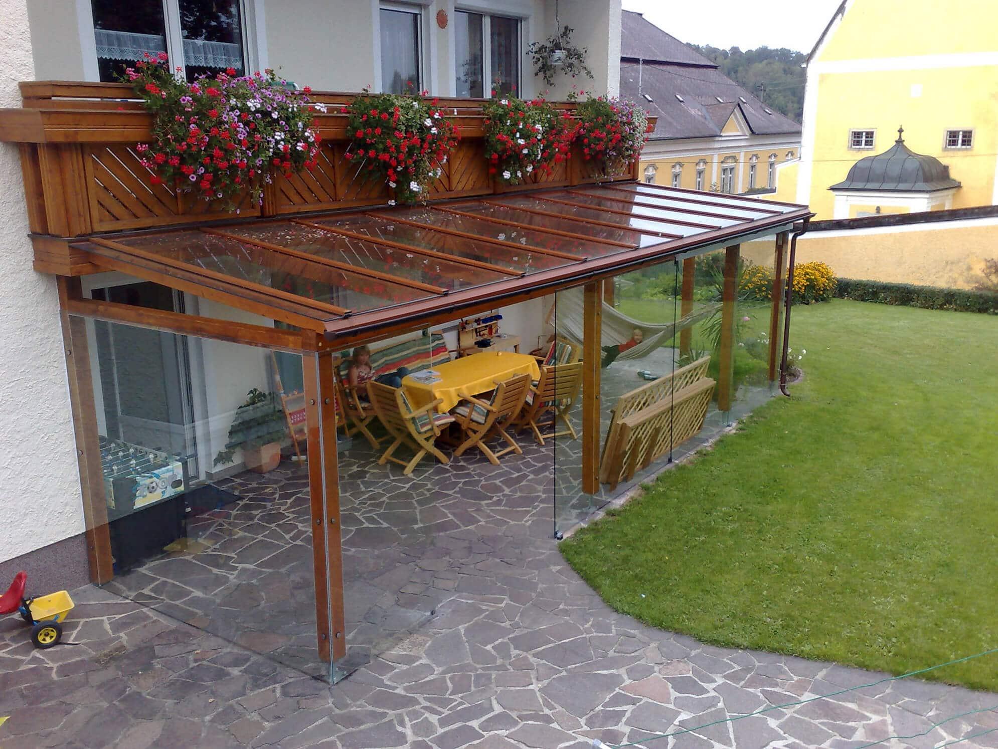 Pergola Terrassendach mit Glas